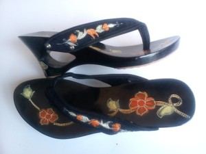sandal wanita terbaru, sandal kelom geulis