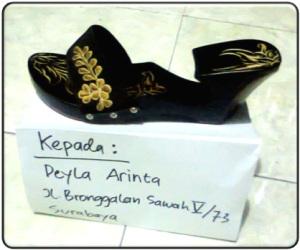 order sandal kelom geulis | Deyla Arinta Sby